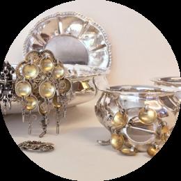 Antikke Gjenstandar Av Sølv